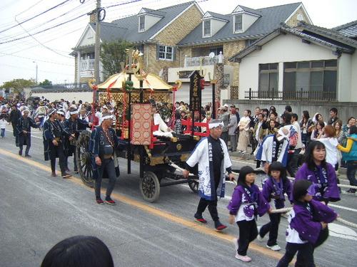 曳き出し後、お神輿、大石大神社
